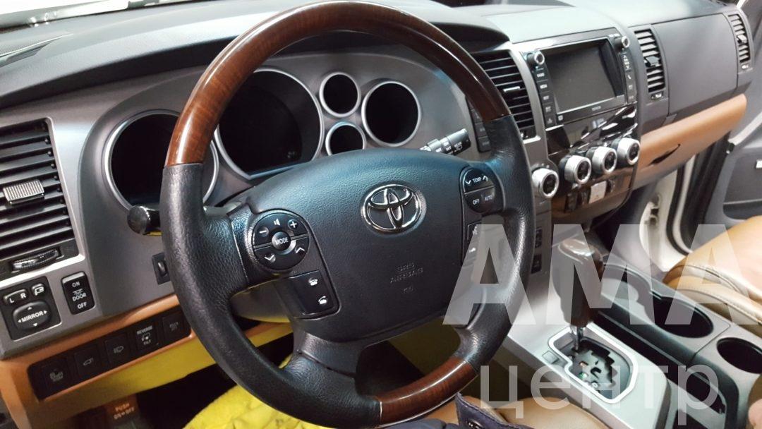 Перетяжка салона Toyota sequoia