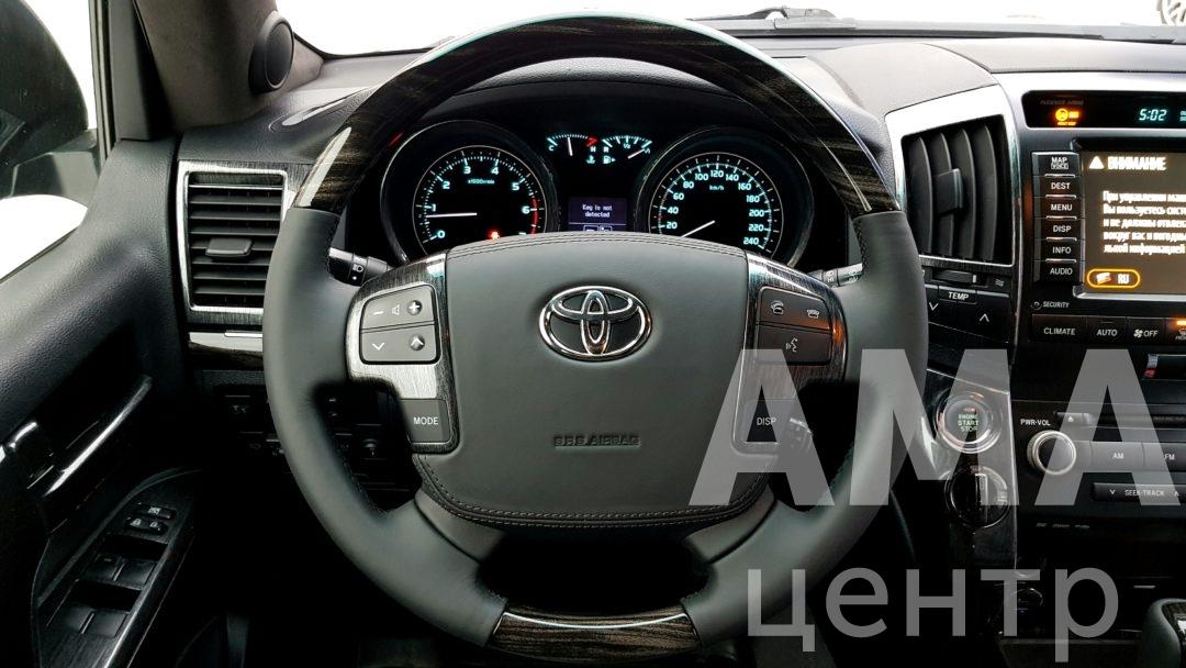 Перетяжка салона Toyota Land Cruiser 200